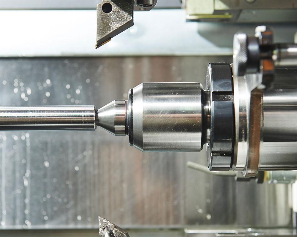 horizontal turning center cutting
